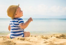 Leve o seu bebé à praia só depois dos 6 meses